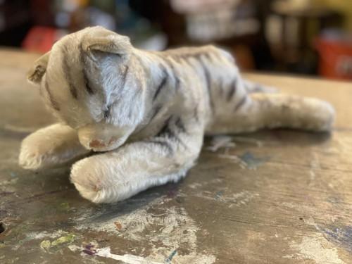 Steiff Sleepy White Tiger