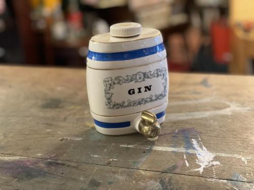 Mini Gin Keg Flask Royal Victoria Wade