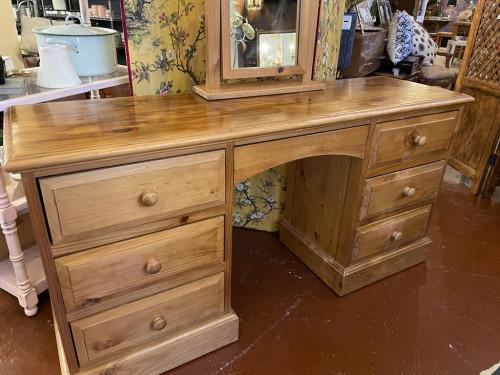 Pine 7 Drawer Desk