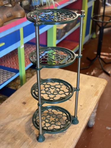Metal 4 Tiered Pot Stand