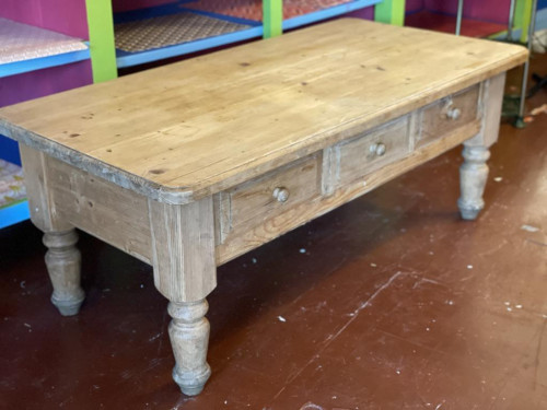 Pine 3 Drawer Coffee Table