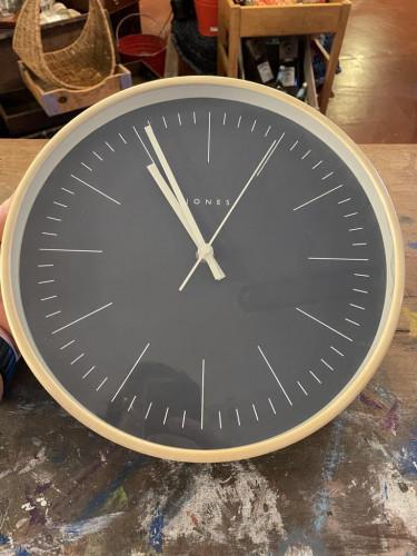 Clock Charcoal Face Cream Frame