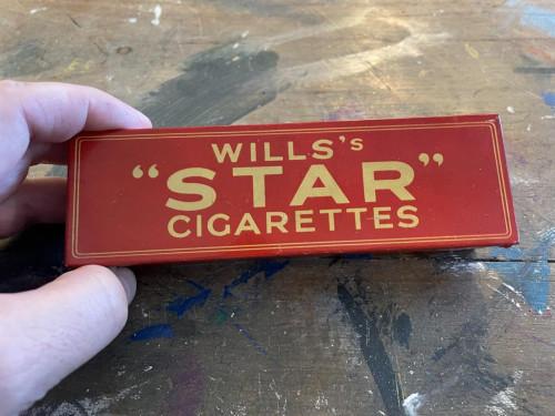 "Wills's ""Star"" Cigarettes Bakelight Domino's"