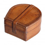 Horseshoe Shaped Collar Box