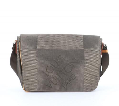 Louis Vuitton Damier Messenger Bag