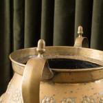 An Arts & Crafts brass planter