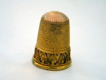 ANTIQUE VICTORIAN 18 CARAT GOLD SEWING THIMBLE c 1850