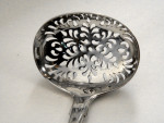 ANTIQUE VICTORIAN SOLID SILVER SIFTER SPOON LONDON 1853