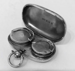 A SOLID SILVER SOVEREIGN CASE 1915