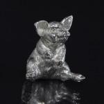 Silver pig model - sitting