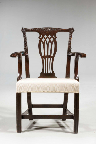 Chippendale Design Elbow Chair
