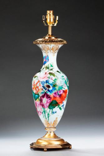 Single Opaline Ovoid Lamp