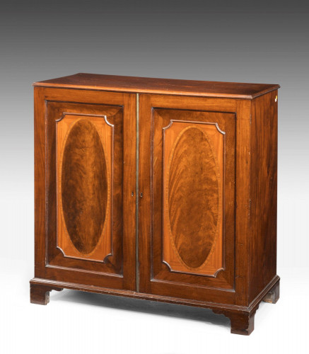 George III Period Mahogany Dwarf Press with Original Fitted Shelves