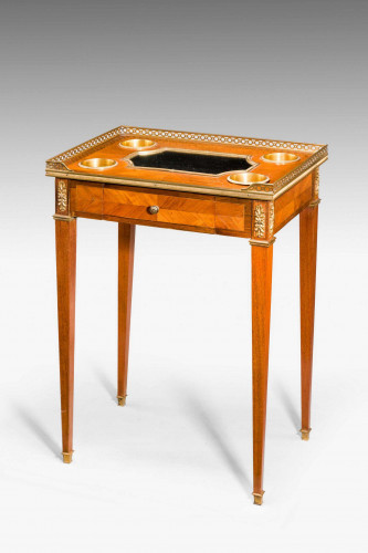 19th Century Fine Kingwood Drinks Table