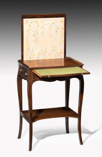 Hepplewhite Period Screen Table on Delicately Carved Supports