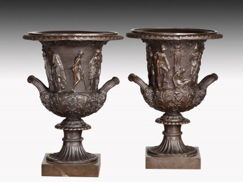 Pair of Early 20th Century Neoclassical Bronze Campana Shaped Urns