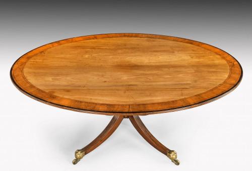 Early 20th century large oval mahogany breakfast table