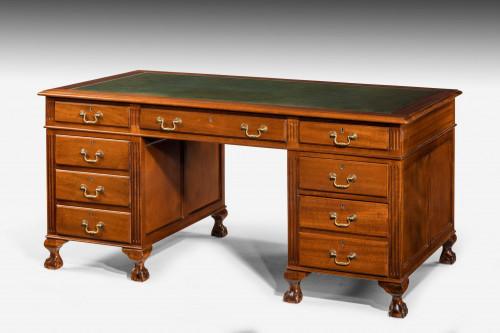 Early 20th Century Mahogany Pedestal Desk