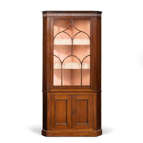 A Good George III Period Mahogany Double Corner Cupboard.