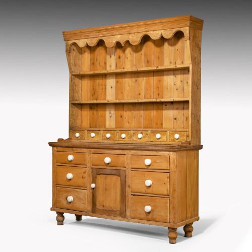 An Attractive Late 20th Century Pine Kitchen Dresser