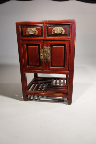 An Attractive Early 20th Century Small Side Cabinet or Cupboard