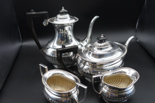 A Fine Quality Early 20th Century 4 Piece Silver Plated Tea and Coffee Service