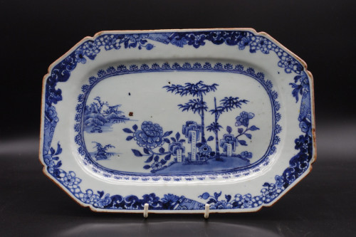 A Late 18th Century Chinese Blue and White Achete