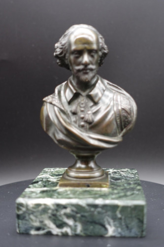 A Well Modelled Late 19th Century Desk Bronze of William Shakespeare