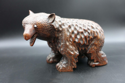An Early 20th Century Black Forest Carved Bear