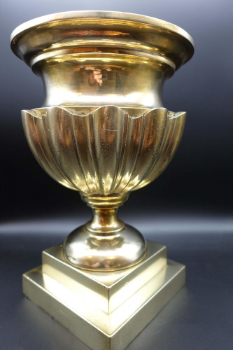 A Late 19th Century Beautifully Cast Brass Shaped bowl.