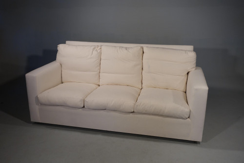 A Modern Hand Built Traditional Large 3 Seat Sofa