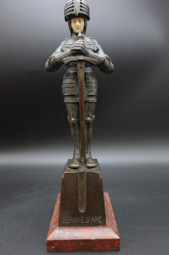 An Early 20th Century Bronze of Jeanne d'Arc