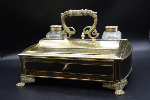 A Very Fine Quality Large Regency Period Desk Set