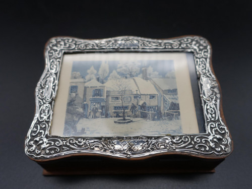 An Early 20th Century Small Silver Mounted Box