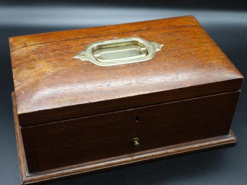 An Early 20th Century Oak Jewellery Box