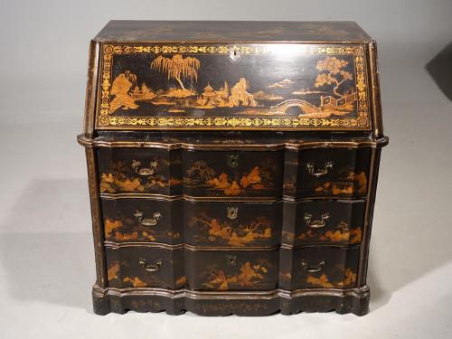 A Rare Mid 19th Century Oriental Bureau of Exceptional Quality