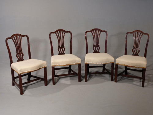 A Very Good Set of 4 George III Period Mahogany Framed Chairs of Hepplewhite Design