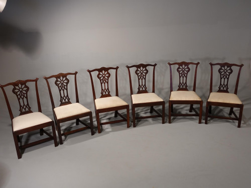 A Well Carved Set of 6 George III Chippendale Period Mahogany Chairs
