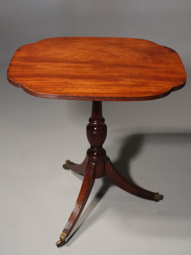An Attractive Shaped George III Period Mahogany Tilt Table