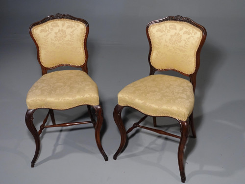 An Elegant and Fine Quality Pair of Late 19th Century Rosewood Drawing Room Chairs