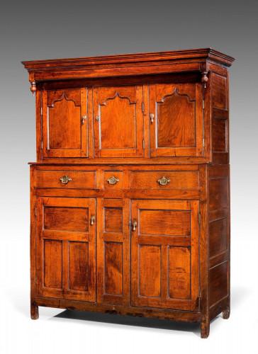 Mid-18th Century Oak Tridarn