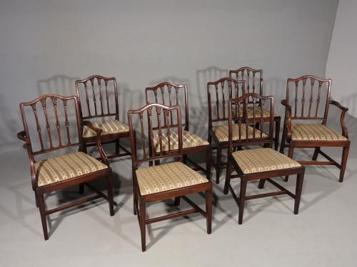 An Elegant Set of 8 (6+2) Mid 20th Century Mahogany Framed Chairs