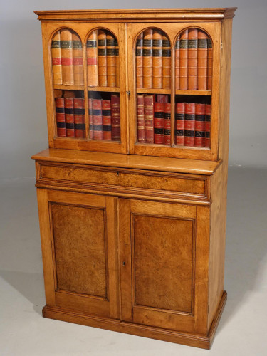 A Beautifully Made Late 19th Century Oak and Burr Oak Small Bookcase Cabinet