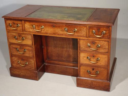 A Fine George III Period Mahogany Kneehole Architects Desk