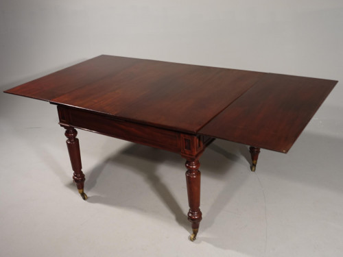 A Very Good Late Regency or Early Victorian Universal Table
