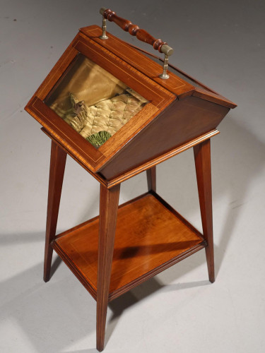 A Very Pretty Late 19th Century Rosewood Ladies Work Table