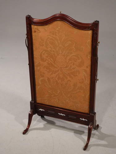 A Good 19th Century Mahogany Flamed Fire Screen