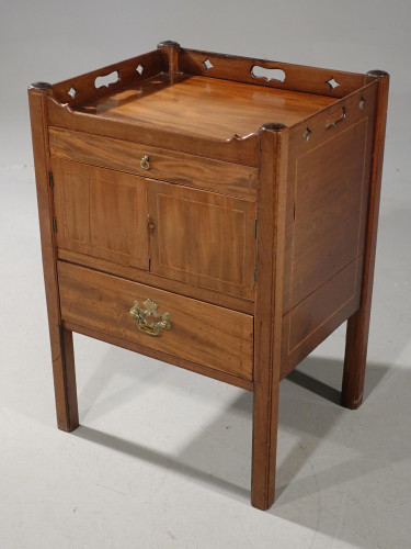A Good Chippendale Period Mahogany Commode