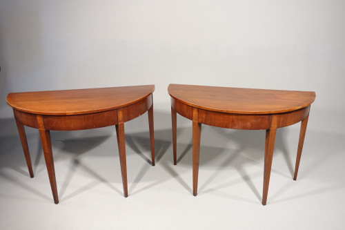 An Attractive Pair of Late 18th Century Pier Tables