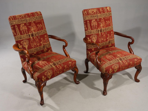 An Elegant Pair of Early 20th Century Walnut Framed Gainsborough Type Chairs